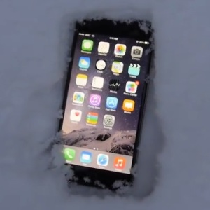 iphone 6 plus in snow