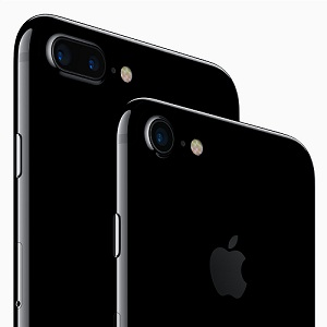 iPhone 7 and iPhone 7 Plus Glossy Black Finish