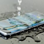 samsung galaxy s8 splashed with water