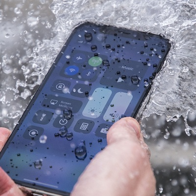 the best attitude ab452 22a9d The iPhone XS And XS Max Are Highly Water Resistant But Not ...